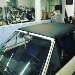 Remplacement d'une capote pour une Peugeot 205